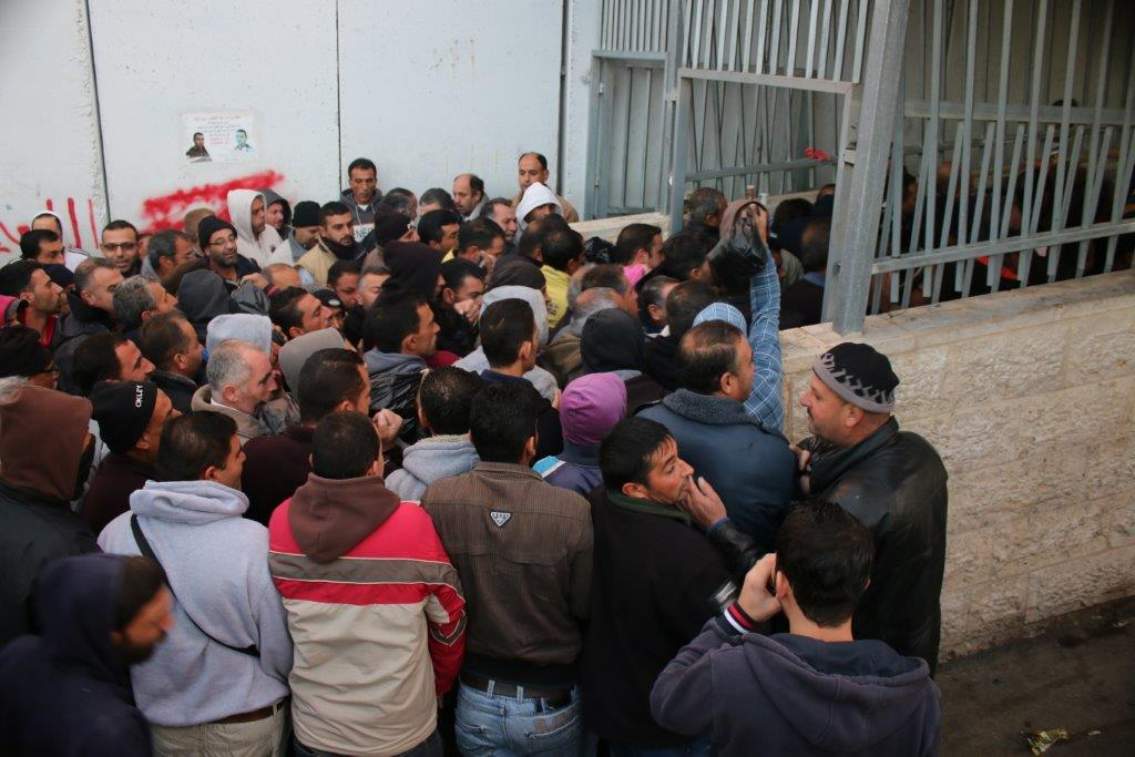 Image of Morning queue at Bethlehem checkpoint